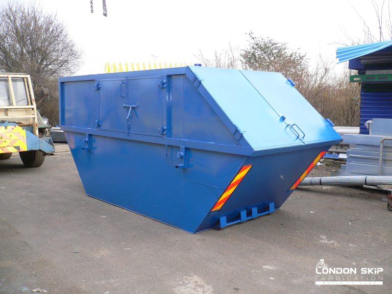 Blue enclosed single end tip skip